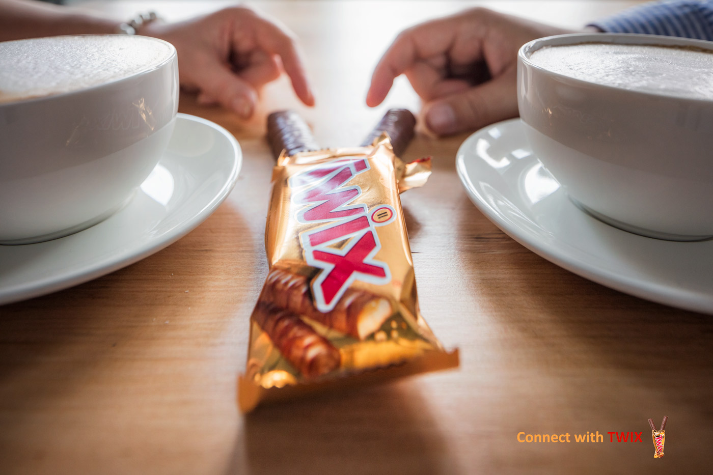 Connect with TWIX, lifestyle images
