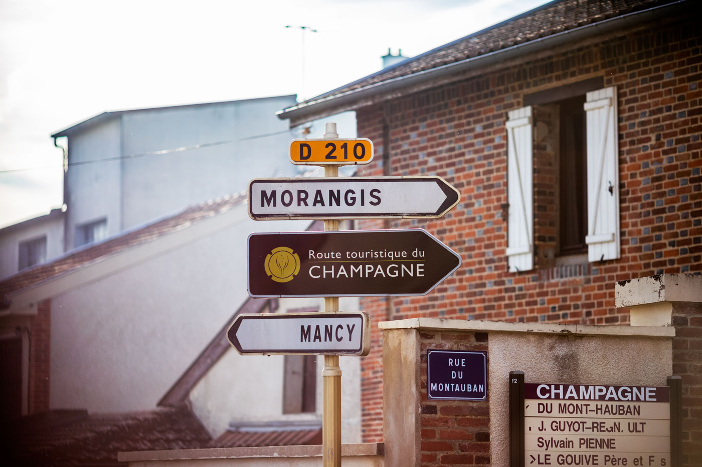 Signs for touriste route in the french Champagne region