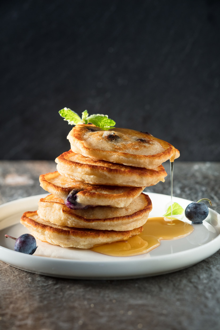 Recipe image of pancakes with maple sirup